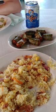 Et repas qui va avec. Du riz, du riz, du riz.......