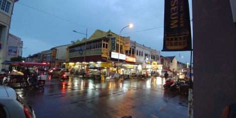 Sous une pluie battante