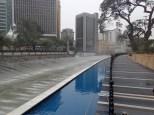 et ses jeux d'eau autour d'elle sur Sungui Klang.