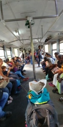 Changement à Colombo, fin du voyage avec ce qui s'apparenterait à un TER toutes portes ouvertes