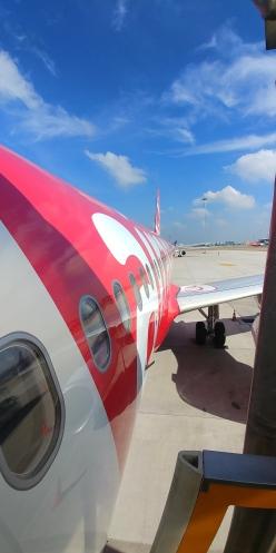 Avec Air Asia, les plus petits sièges au monde. Aïe!!!