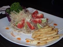 Petit repas amélioré par de jeunes sri lankais ayant ouvert leur resto. Ca détonne un peu surtt ds ces montagnes mais trop agréable.