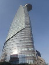 La tour Bitexco avec sa terrasse dans le vide.