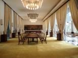 Avec ses superbes salles de réunion.