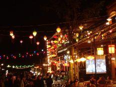 Et le soir venu tout le charme de Hoi An se dévoile.