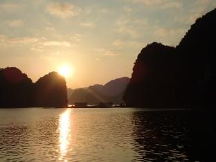 Et là nous assistons seuls au monde à un pu.... de coucher de soleil juste pour nous 11 mais chacun de son côté.
