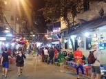 Le soir les rues deviennent piétonnes, et ça c'est cool car sans les hordes de scooters.