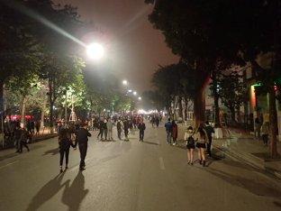Et retour à notre appart tranquillement dans les rues devenues piétonnes pour le WE.