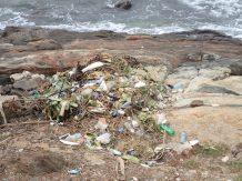 Le plastique arrêtons cette catastrophe.