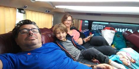 Allez c'est parti pour le nord du Vietnam dans nos bus préférés.