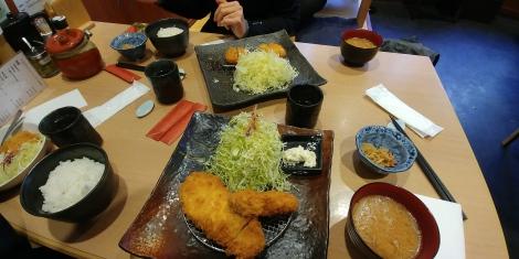 Pause repas, porc et énorme huitre frits