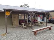 Camping surtt occupé par des locaux à l'année, ambiance plutôt sympa.