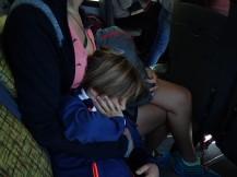 Départ en bus pour le Cerro Campanario et Simon profite pour encore dormir.