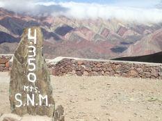 Et nous voici arrivés à El Hornocal, la montagnes aux 14 couleurs.