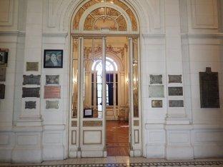 Nous prenons le temps de visiter la ville . La Casa de Gobierno de style baroque français.