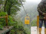 Pour nous emmener ds cette nacelle à 152m de hauteur de l'autre côté de la vallée!!