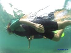 Allons voir sous l'eau ce qui s'y passe.