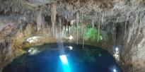 Moment magique avec tous ces stalactites au-dessus de nous.
