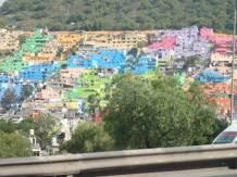 La banlieue de Mexico tt en couleur.