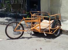 Ce qui a remplacé l'âne au Mexique, il y en a partout. Le futur vélo de Simon qui ne sait tjrs pas en faire!!!LOL