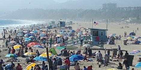 Sa plage et ses postes de secours.