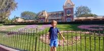 Et après une bonne nuit direction Disneyland pour l'anniv de notre Simon.