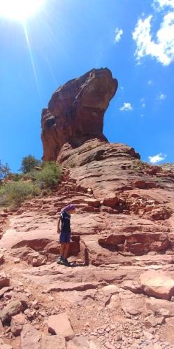 A la demande de Simon nous escaladons ce gros rocher.