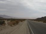 De la route et du désert………..