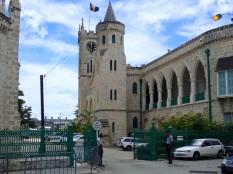 Le Parlement en pierre de corail.